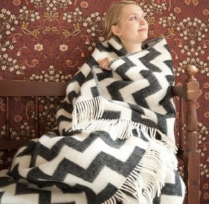Splendid-Willow-Avenue-Ilse-Jacobsen-Scandinavian-design-Jarbo-Maileg-Ilse-Jacobsen-rubber-boo--Beautiful-Scandinavian-Wool-Blanket-1-492x481