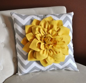 fab-find-etsy-decorative-pillow