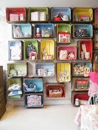 transformar cajas de cartón y de madera