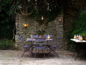 the-old-surgery-courtyard-high-walled